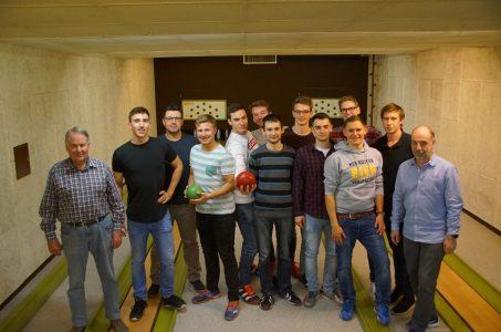 TuS Vorstand lädt Handballer zum Kegeln ein